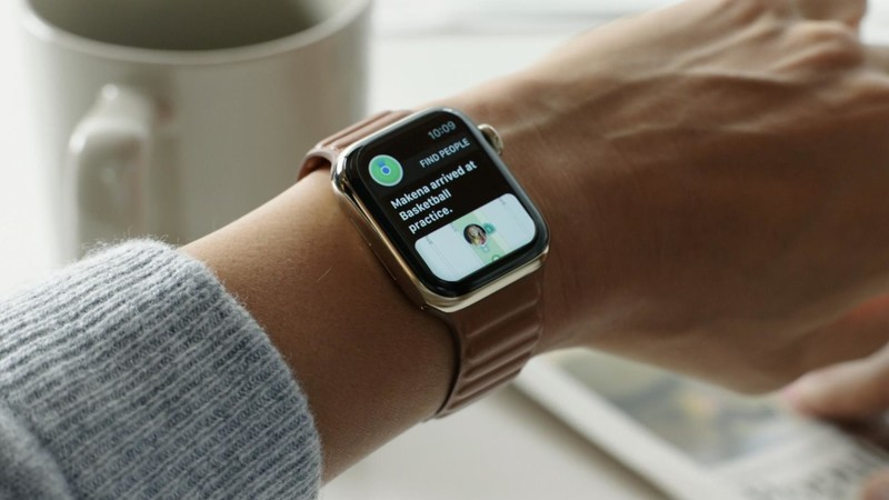 Apple Watch série 6 or inoxydable