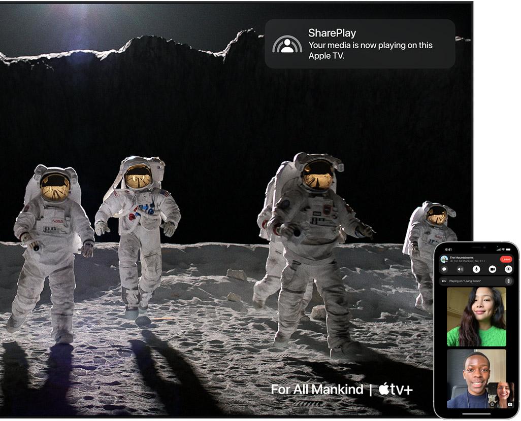 Une image promotionnelle affichant un appel vidéo FaceTime sur un iPhone avec SharePlay sur Apple TV